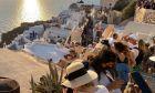 Τουρίστες στην Σαντορίνη εν μέσω πανδημίας