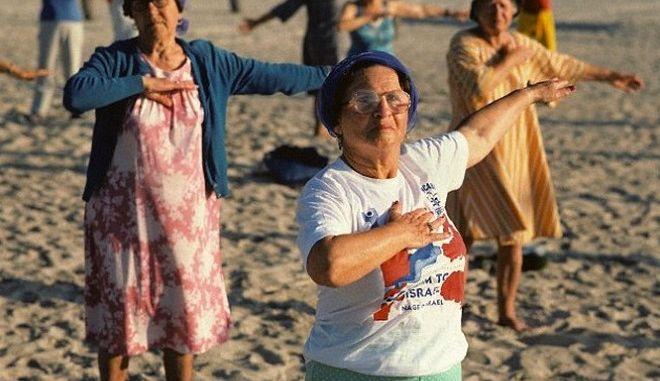 Απλή γυμναστική άσκηση προβλέπει πότε θα πεθάνετε. Δείτε ποια είναι