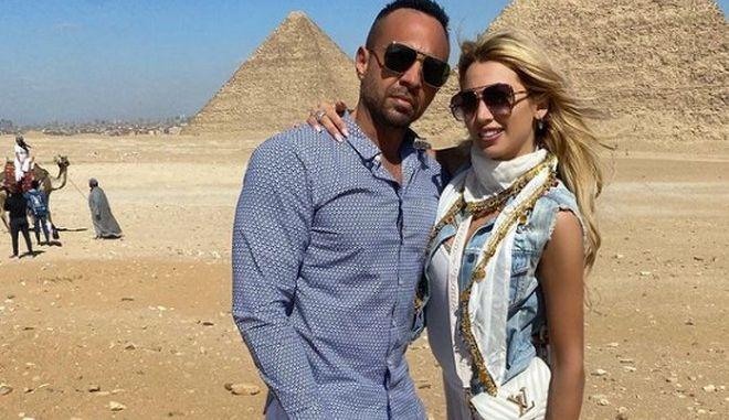Η Κωνσταντίνα Σπυροπούλου και ο σύντροφός της στην Αίγυπτο