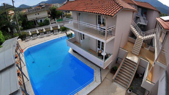 Bel Air: Πώς ο σουλτάνος του Μπρουνέι έβαλε σε μπελάδες ένα μικρό ξενοδοχείο στην Ελλάδα
