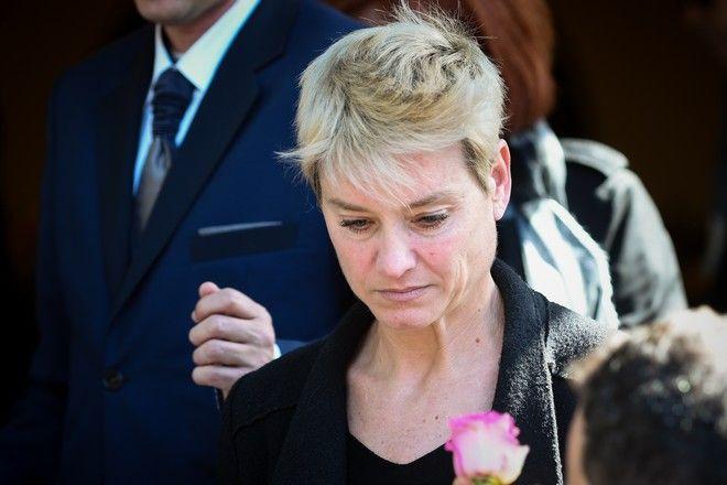Η κόρη του Φαίδωνα Γεωργίτση Μαρίζα στην κηδεία του ηθοποιού