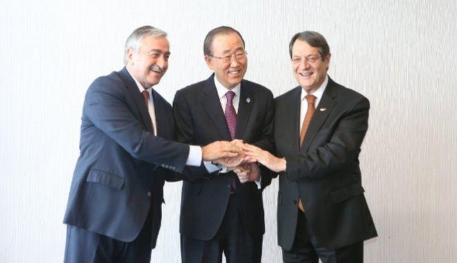 Κυπριακό: Ικανή να τορπιλίσει τη συμφωνία η απόκλιση Ελλάδας - Τουρκίας στις εγγυήσεις