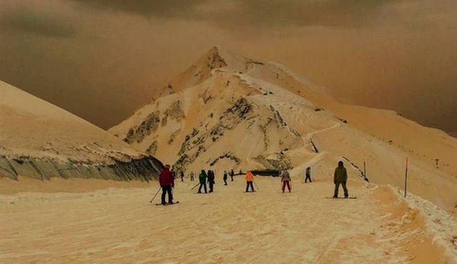 Πορτοκαλί χιόνι στα χειμερινά θέρετρα της ανατολικής Ευρώπης