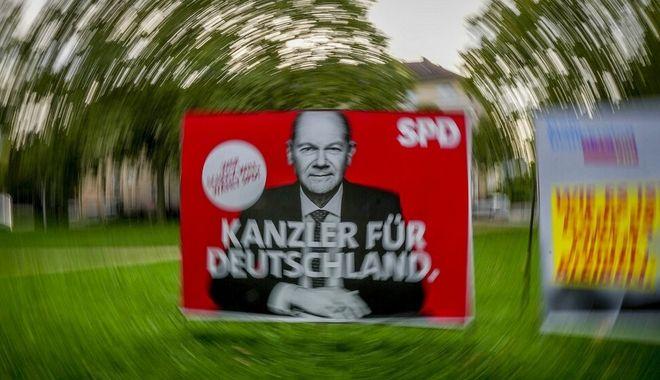 Αφίσα του υποψήφιου καγκελάριου των Σοσιαλδημοκρατών για τις γερμανικές εκλογές, Όλαφ Σολτς