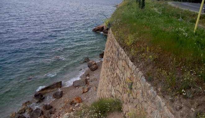 Βόλος: 'Βουτιά' θανάτου με μηχανάκι στις Πλάκες για 53χρονο