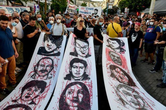 Οι συγγενείς των δολοφονημένων