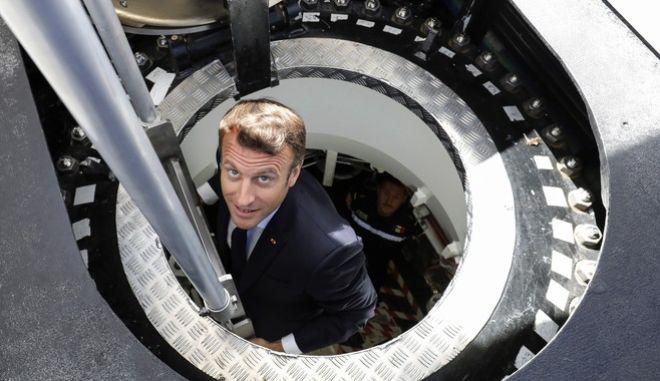 """Ο Μακρόν στο πυρηνικό υποβρύχιο """"Suffren"""""""