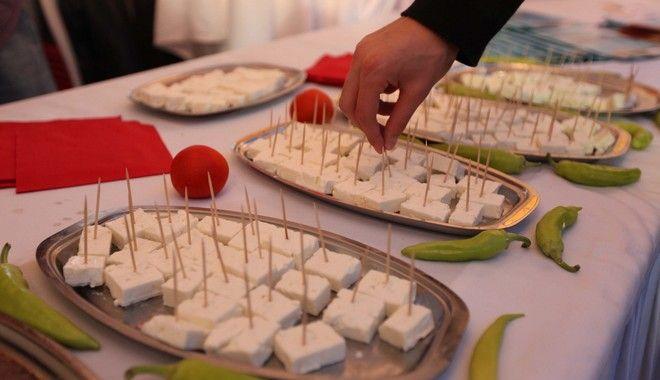 ΕΛΑΣΣΟΝΑ-ο Υπουργός Αγροτικής Ανάπτυξης Κ. Σκανδαλίδης εγκαινίασε την 5η Πανελλήνια Γιορτή Φέτας.(EUROKINISSI-ΚΩΣΤΑΣ ΜΑΝΤΖΙΑΡΗΣ)