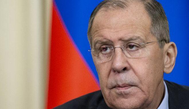 Ο Ρώσος υπουργός Εξωτερικών Σεργκέι Λαβρόφ κατά τη διάρκεια συνέντευξης Τύπου στη Μόσχα