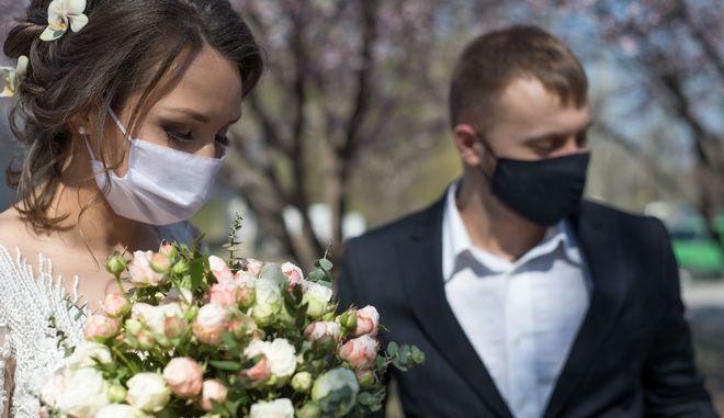 Παπαθανάσης: Γάμοι μετά μουσικής αλλά δίχως χορό - Oι αλλαγές στην άρση μέτρων