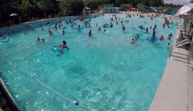 Παιδί πνίγεται σε πισίνα γεμάτη κόσμο