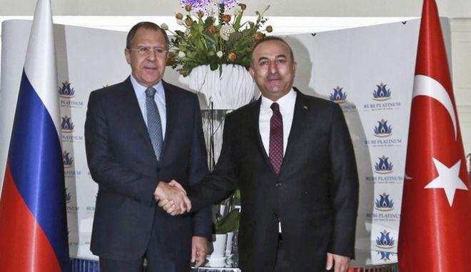 Οι υπουργοί Εξωτερικών Ρωσίας και Τουρκίας.