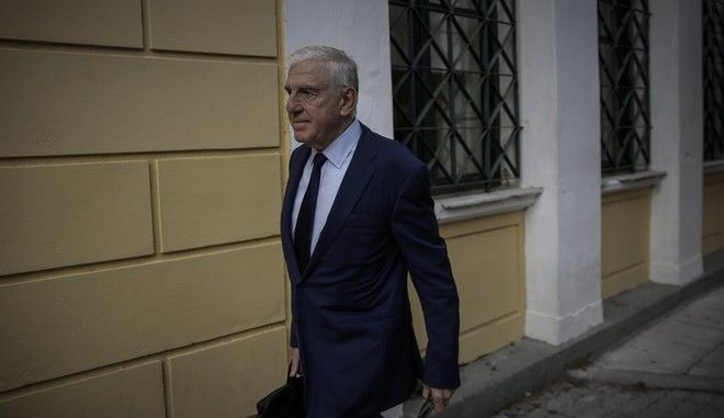 Ο Γιάννος Παπαντωνίου κατά την προσέλευσή του στα δικαστήρια για την απολογία του