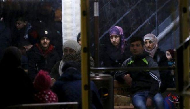 ΕΕ: Η Άγκυρα πρέπει να περιορίσει τις αναχωρήσεις μεταναστών μέχρι την 1η Ιουνίου