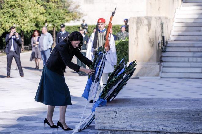 Κατάθεση στεφάνων για την εθνική επέτειο της 28ης Οκτωβρίου στο Μνημείο του Άγνωστου Στρατιώτη