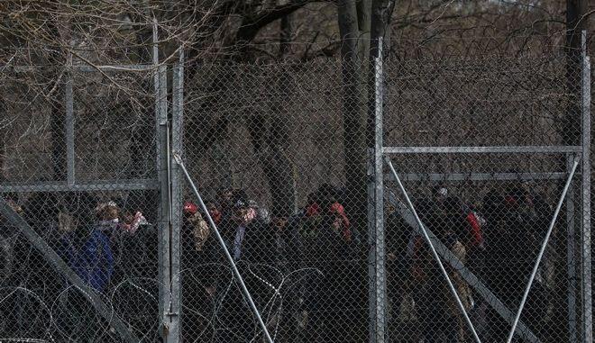 Μετανάστες και πρόσφυγες στις Καστανιές Έβρου