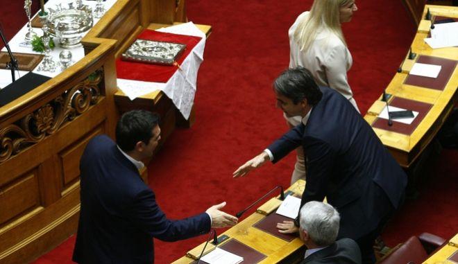 Στιγμιότυπο από την ορκωμοσία των βουλευτών, που εξελέγησαν στις εθνικές εκλογές της 25ης Ιανουαρίου 2015, την Πέμπτη 5 Φεβρουαρίου 2015. (EUROKINISSI/ΓΙΩΡΓΟΣ ΚΟΝΤΑΡΙΝΗΣ)