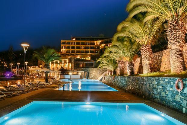 Η Zeus International και η Wyndham Hotels & Resorts εγκαινίασαν την επίσημη έναρξη λειτουργίας του Wyndham Grand Crete Mirabello Bay στην Κρήτη