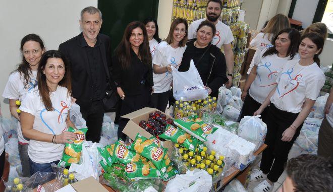 Τα Lay's χαρίζουν χαμόγελα στις γειτονιές του Πειραιά με το πρόγραμμα 'ΣΙΤΙΖΟΥΜΕ & Μοιράζουμε χαμόγελα'