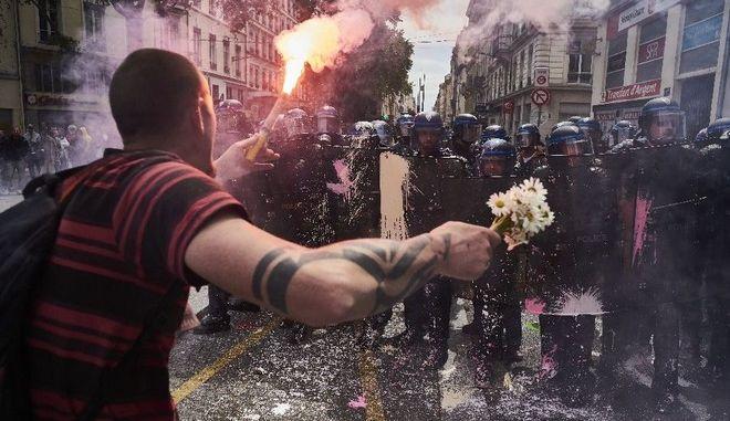 Ερντογάν: Καταδικάζω τη βία που ασκείται από τη γαλλική αστυνομία στους διαδηλωτές