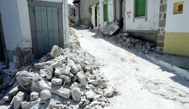Μεγαλες καταστροφες προκληθηκαν στο χωριο Βρισα της Μυτιληνης απο τον σεισμο των 6,3 R που κουνησε το νησι πριν τρεις ημερες Το χωριο σχεδον ιδοπεδωθηκε ολο ----Φωτο Χρηστος Μπονης//Eurokinissi