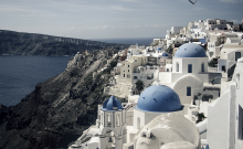 Το 2020 ανοίξαμε τον τουρισμό με 17 κρούσματα την ημέρα. Το 2021 με 2053...