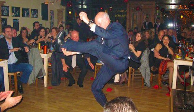 Ο χορός του πρωθυπουργού