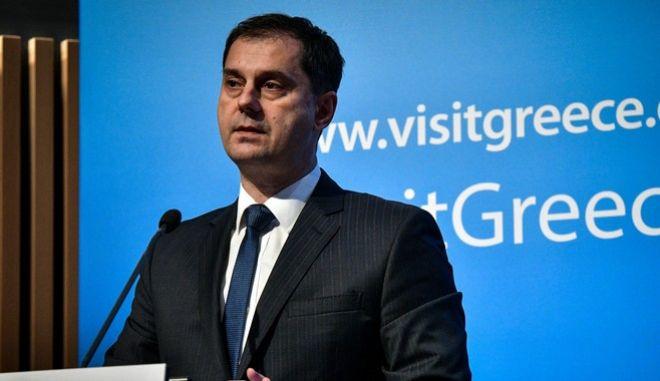 Ο υπουργός Τουρισμό Χάρης Θεοχάρης (EUROKINISSI/ΤΑΤΙΑΝΑ ΜΠΟΛΑΡΗ)