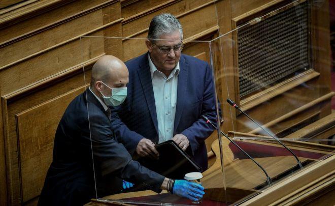 Ο Δημήτρης Κουτσιούμπας, γ.γ του ΚΚΕ στο βήμα της Βουλής