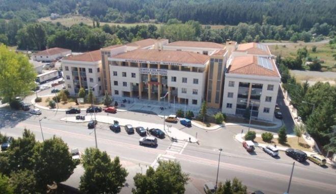 Γρεβενά: Ομόφωνη καταδίκη του ξυλοδαρμού του αντιδημάρχου από ξενοδόχο