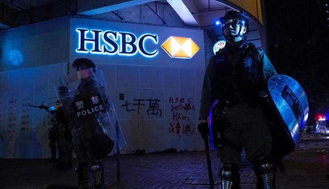 Στο Χονγκ Κονγκ και σήμερα Πρωτοχρονιά οι διαδηλώσεις συνεχίζουν.