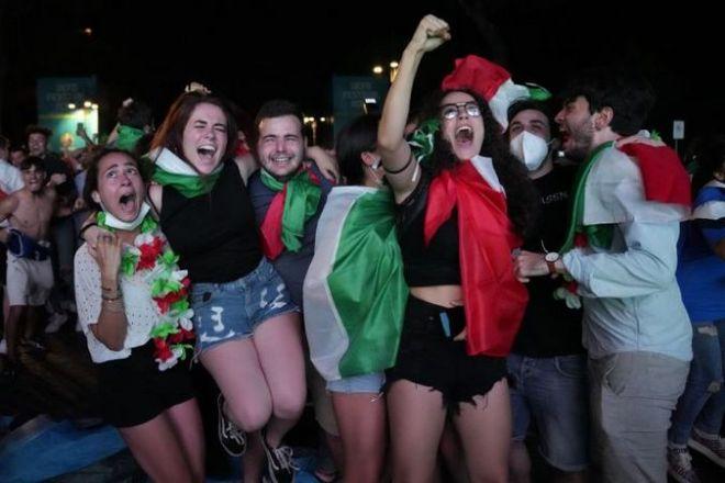 Euro 2020: tutta Italia a piedi al mattino