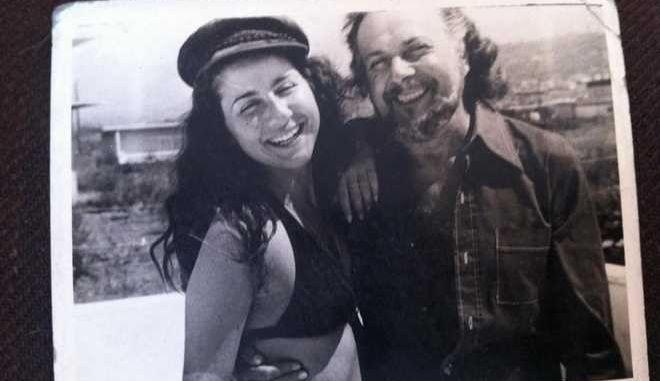 Η κόρη του Ρίτσου εναντίον του Μίκη για τη Ρωμιοσύνη στο συλλαλητήριο