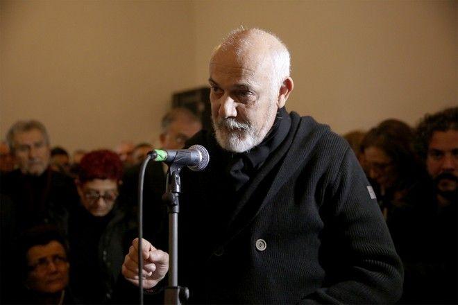Ο Γιώργος Κιμούλης εκφώνησε επικήδειο στην πολιτική κηδεία του Θάνου Μικρούτσικου