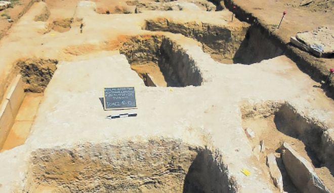 Ένας αγωγός, 'πυξίδα' αρχαιολογικών διαδρομών