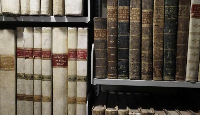 Συγγράμματα στα ράφια της Βιβλιοθήκης του Βατικανού