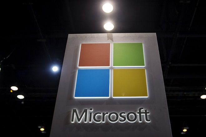 The Microsoft logo is seen as part of a display at the Microsoft Ignite technology conference in Chicago, Illinois, May 4, 2015. REUTERS/Jim Young   - RTX1BIYV