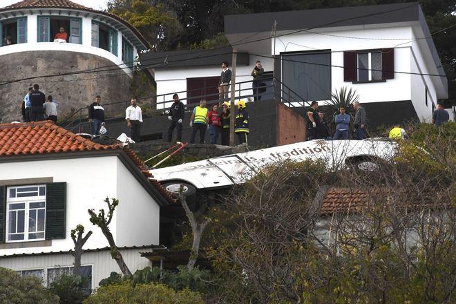 Τραγωδία στην Πορτογαλία: Ανατροπή τουριστικού λεωφορείου με νεκρούς