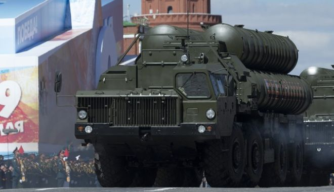 Russian S-400 air defense missile systems roll along the Red Square during a rehearsal for the Victory Day military parade in Moscow, Russia, on Sunday, May 7, 2017. The parade will take place in Moscow's Red Square on May 9 to celebrate 72 years since the end of WWII and the defeat of Nazi Germany. (AP Photo/Ivan Sekretarev)