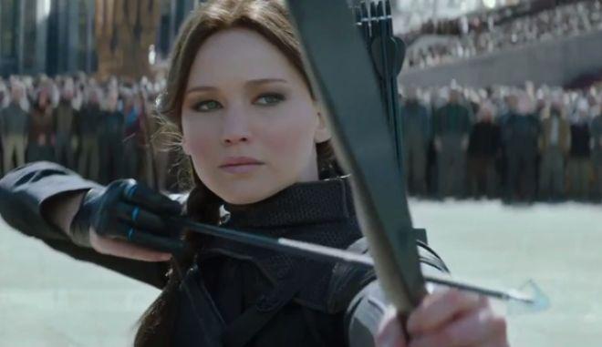 Όλα είναι πόλεμος στο πρώτο τρέιλερ του 'The Hunger Games: Mockingjay Part II'