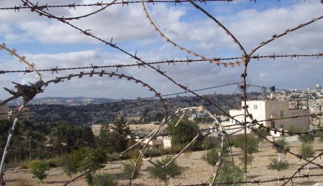 Κατεχόμενα: Συνέλαβαν Ελληνοκύπριες μάνα και κόρη επειδή τραβούσαν φωτογραφίες