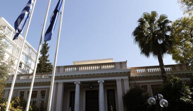 Κυβερνητικές πηγές: Ο κ. Μητσοτάκης φοβάται ακόμα και τους βουλευτές του