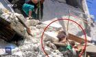 Φωτογραφία σοκ από τη Συρία: 5χρονη προσπαθεί να σώσει την 7 μηνών αδελφή της πριν ξεψυχήσει