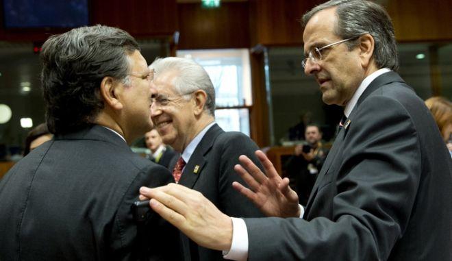 Ο έλληνας πρωθυπουργός Αντώνης Σαμαρράς στις εργασίες της δευτερης ημέρας της Συνόδου Κορυφής της ΕΕ στις Βρυξέλλες. (EUROKINISSI/ΣΥΜΒΟΥΛΙΟ ΤΗΣ Ε.Ε.)
