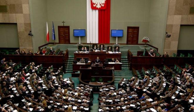 Η Πολωνία απαγορεύει τον όρο 'πολωνικά στρατόπεδα θανάτου'