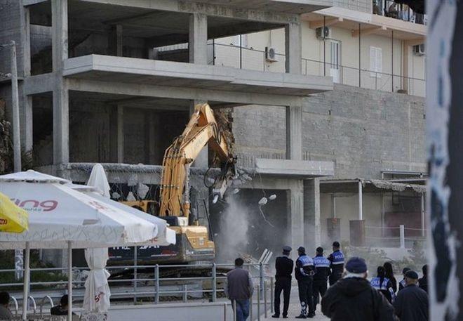 Κατεδαφίσεις σπιτιών ομογενών στην Χειμάρρα-Υπό αστυνομικό κλοιό η πόλη