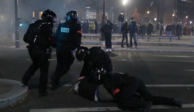 Αστυνομικοί στις διαδηλώσεις του Παρισιού.