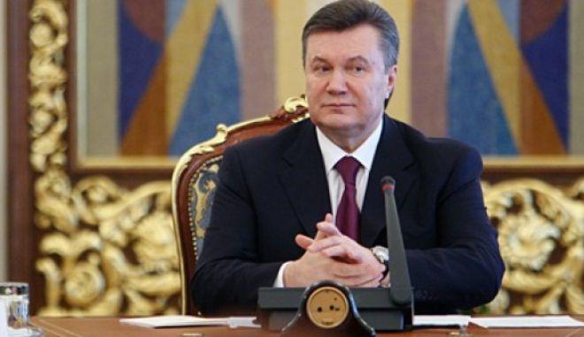 Ουκρανία: Ο Γιανουκόβιτς αποφάσισε να γίνουν πρόωρες προεδρικές εκλογές. Σχηματίζεται κυβέρνηση εθνικής ενότητας