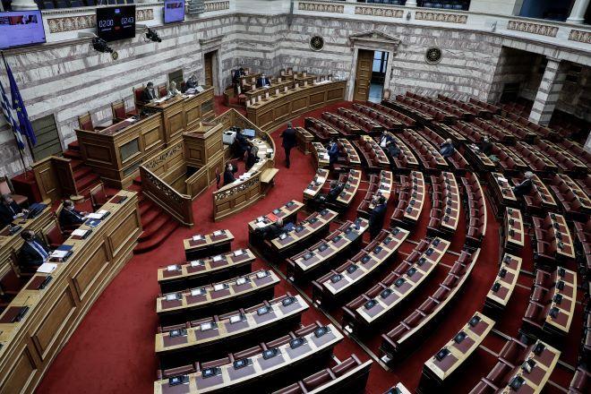 Εθελούσιες και στρατηγικός επενδυτής στα ΕΛΤΑ με νομοσχέδιο που βαφτίστηκε τροπολογία