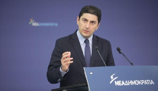 Συνεδρίαση της νέας Πολιτικής Επιτροπής της Νέας Δημοκρατίας υπό την Προεδρία του Προέδρου της Νέας Δημοκρατίας Κυριάκου Μητσοτάκη, στα κεντρικά γραφεία του Κόμματος, Αθήνα, Μ. Τετάρτη 27 Απριλίου 2016. Στη φωτογραφία ο νέος Γραμματέας της Πολιτικής Επιτροπής της Νέας Δημοκρατίας, μοναδικός υποψήφιος Λευτέρης Αυγενάκης. (EUROKINISSI/ΓΙΑΝΝΗΣ ΠΑΝΑΓΟΠΟΥΛΟΣ)